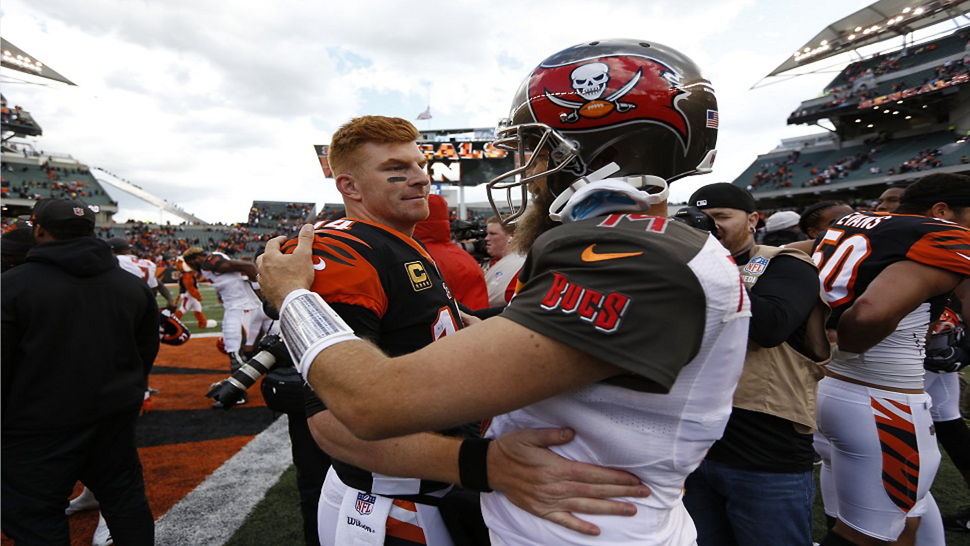 sports shoes 21bf9 4d47d Winston benched, Fitzpatrick nearly leads Bucs to comeback