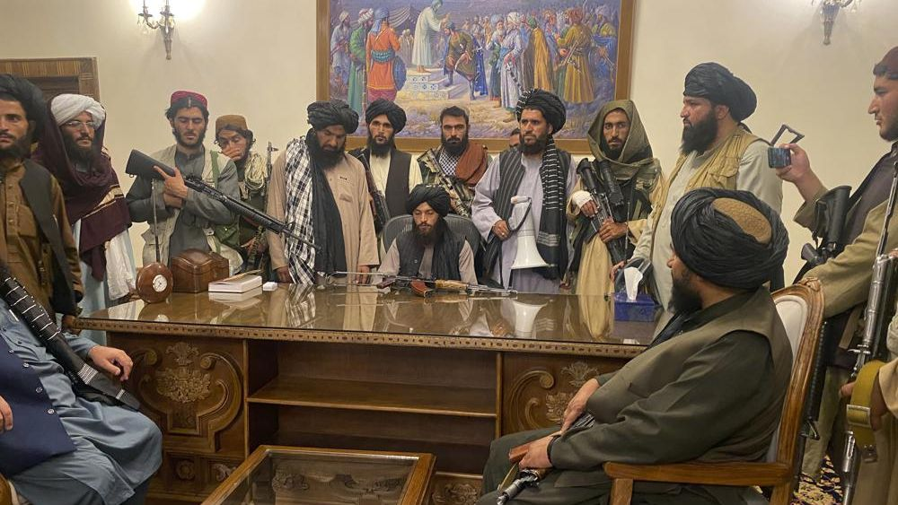 Taliban sweep into Afghan capital after government collapses
