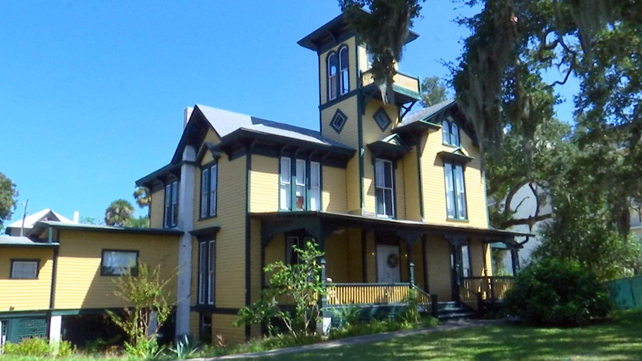 Florida on a Tankful: Lilian Place Heritage Center and Museum