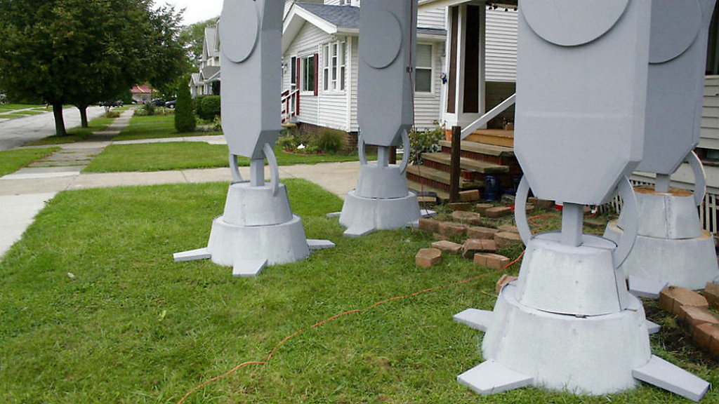2 story star wars replica for halloween is big hit