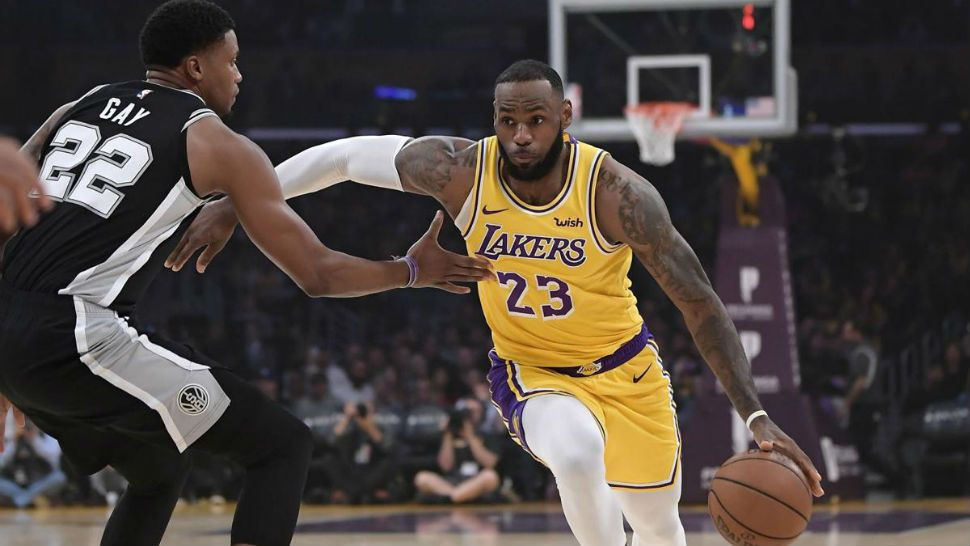 192c2b27e7a Spurs Rally to Keep Lakers Winless with LeBron