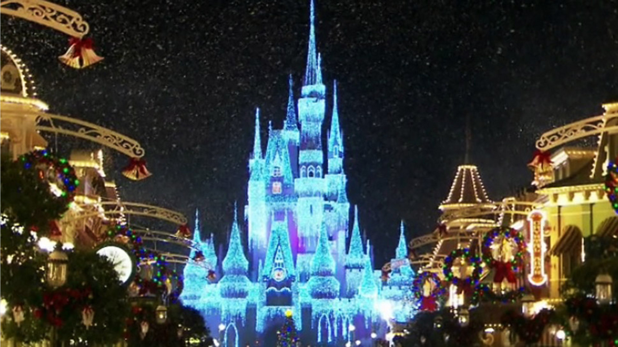 Very Merry Christmas Party.New Fireworks Set For Mickey S Very Merry Christmas Party
