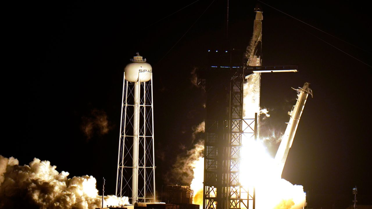4 Astronauts Lift Off From KSC on NASA's 1st Commercial Crew Mission to ISS
