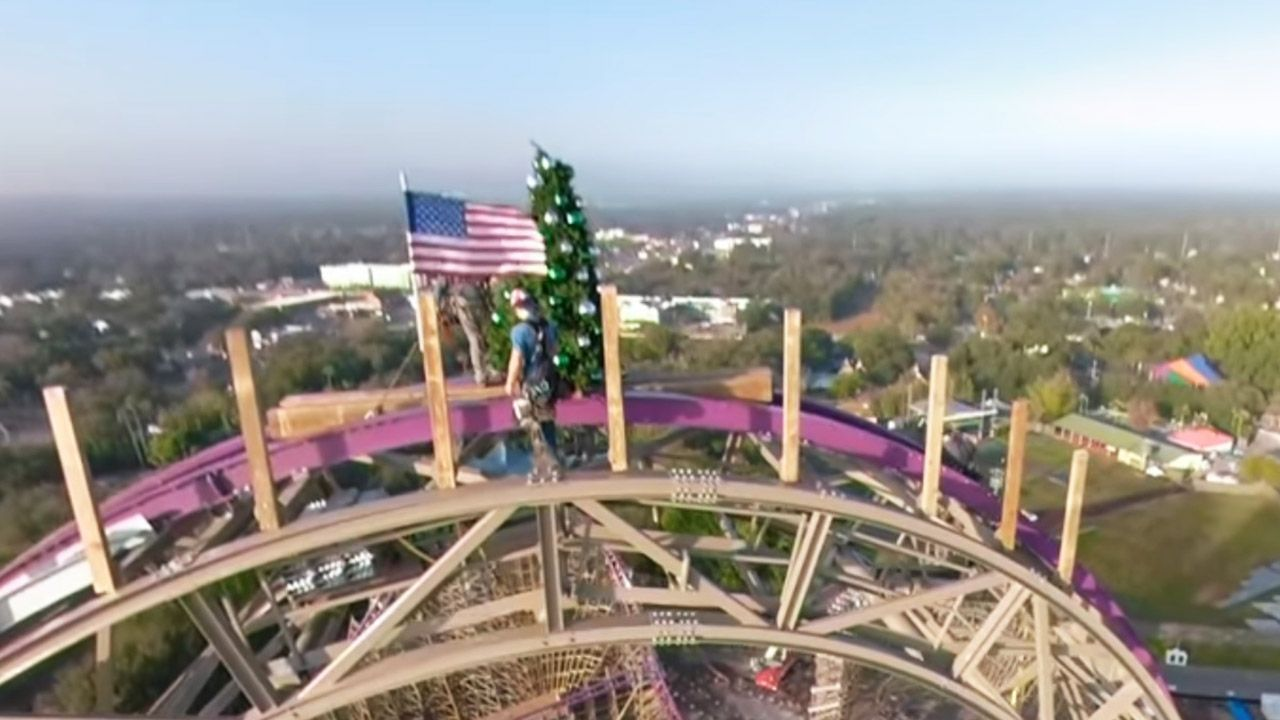 Busch Gardens Tampa Christmas 2020 Busch Gardens Puts Christmas Tree on Iron Gwazi Coaster