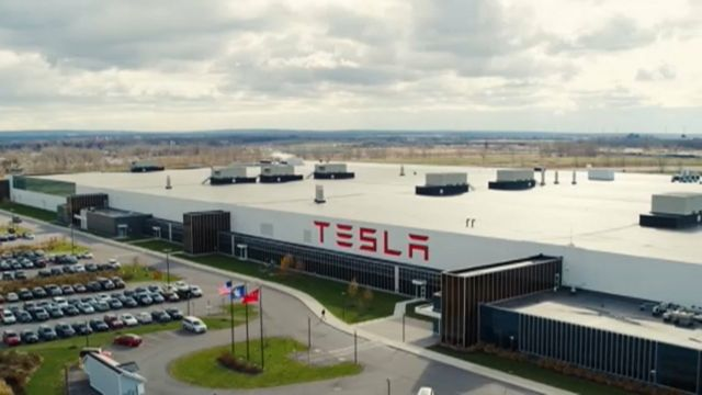 Tesla Workers Talking with Two Unions