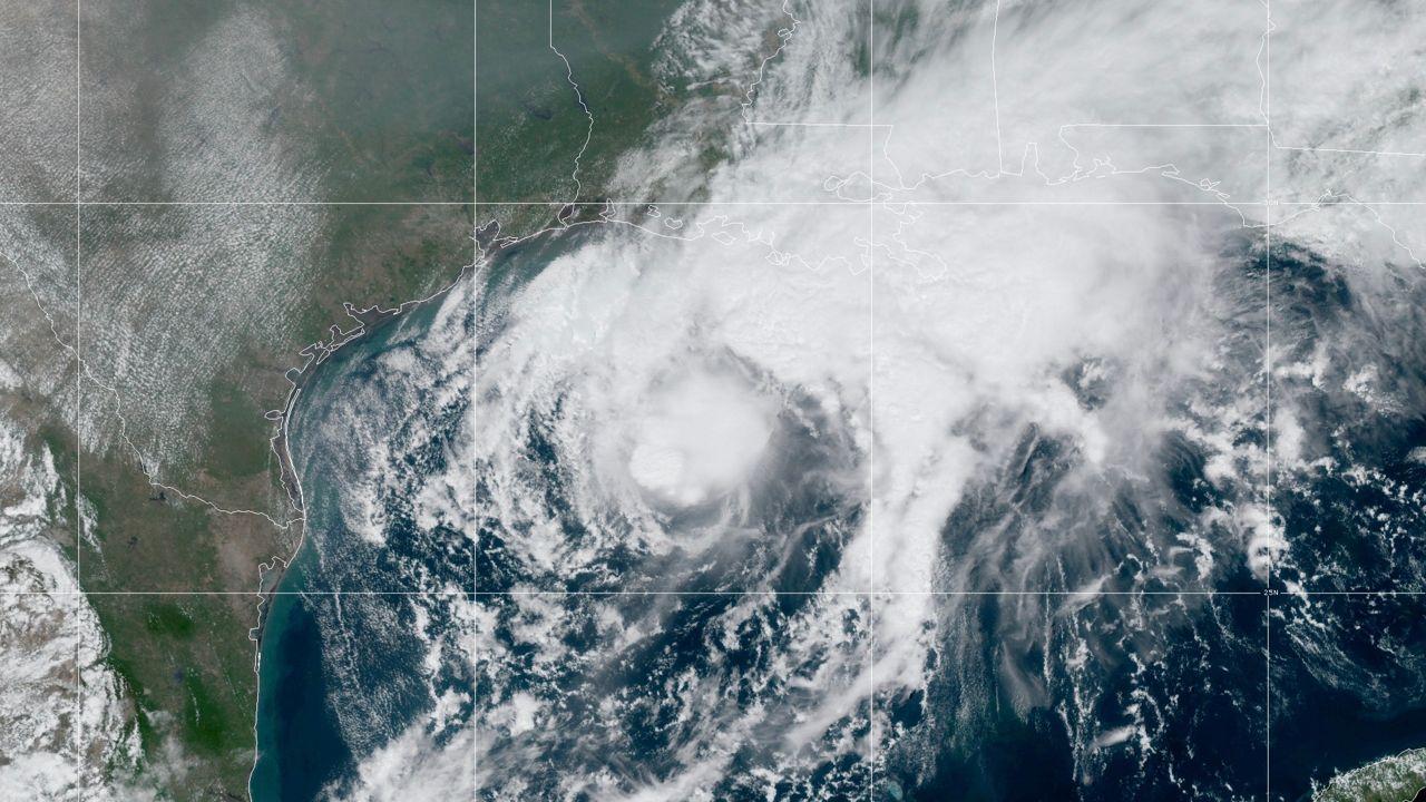 Hurricane Supply Checklist Storm Season 2020 Spectrum Bay News 9