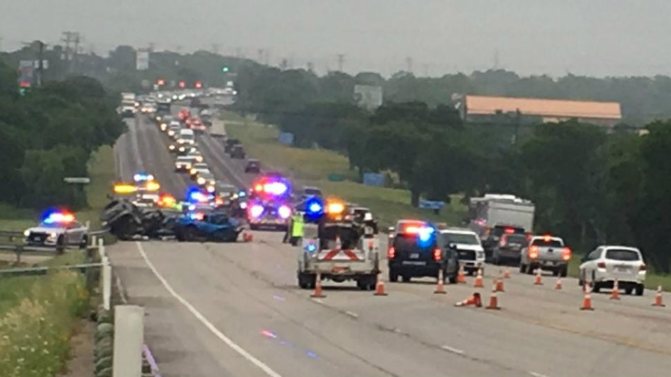 Man Killed in US 290 Crash, 5 Injured
