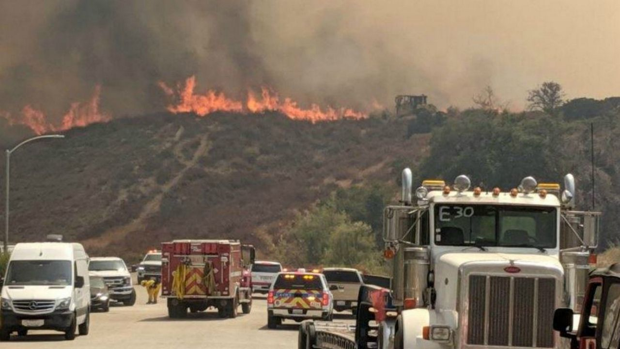 1,974-acre Murrieta Fire 10 Percent Contained
