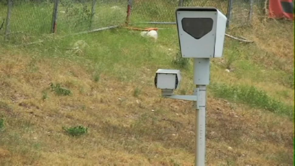 Traffic Inbox: What's the Deal With Red Light Cameras