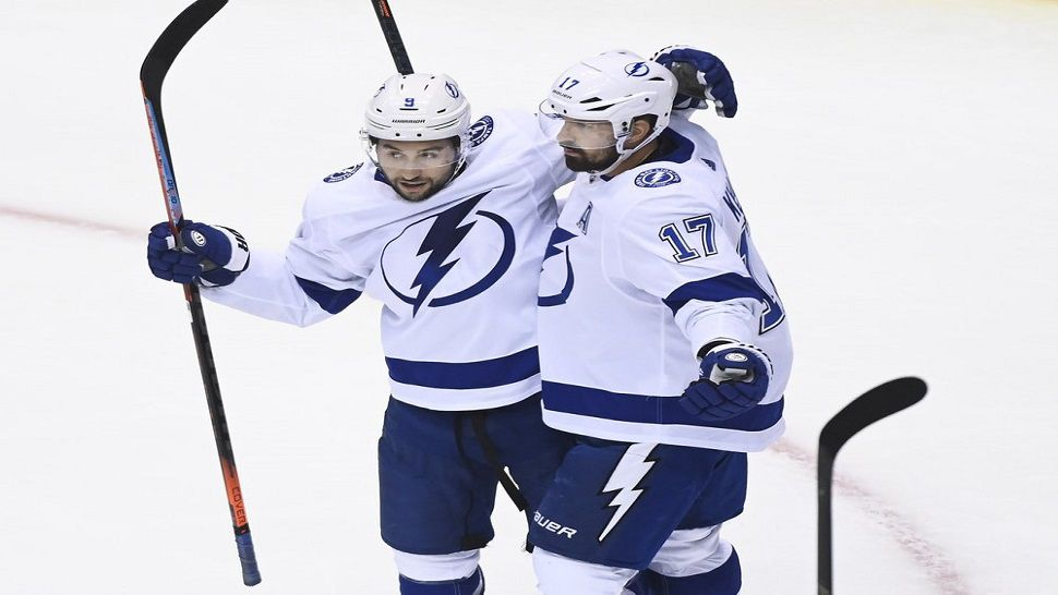 Tyler Johnson Keeps Lightning Perfect In Round Robin Play