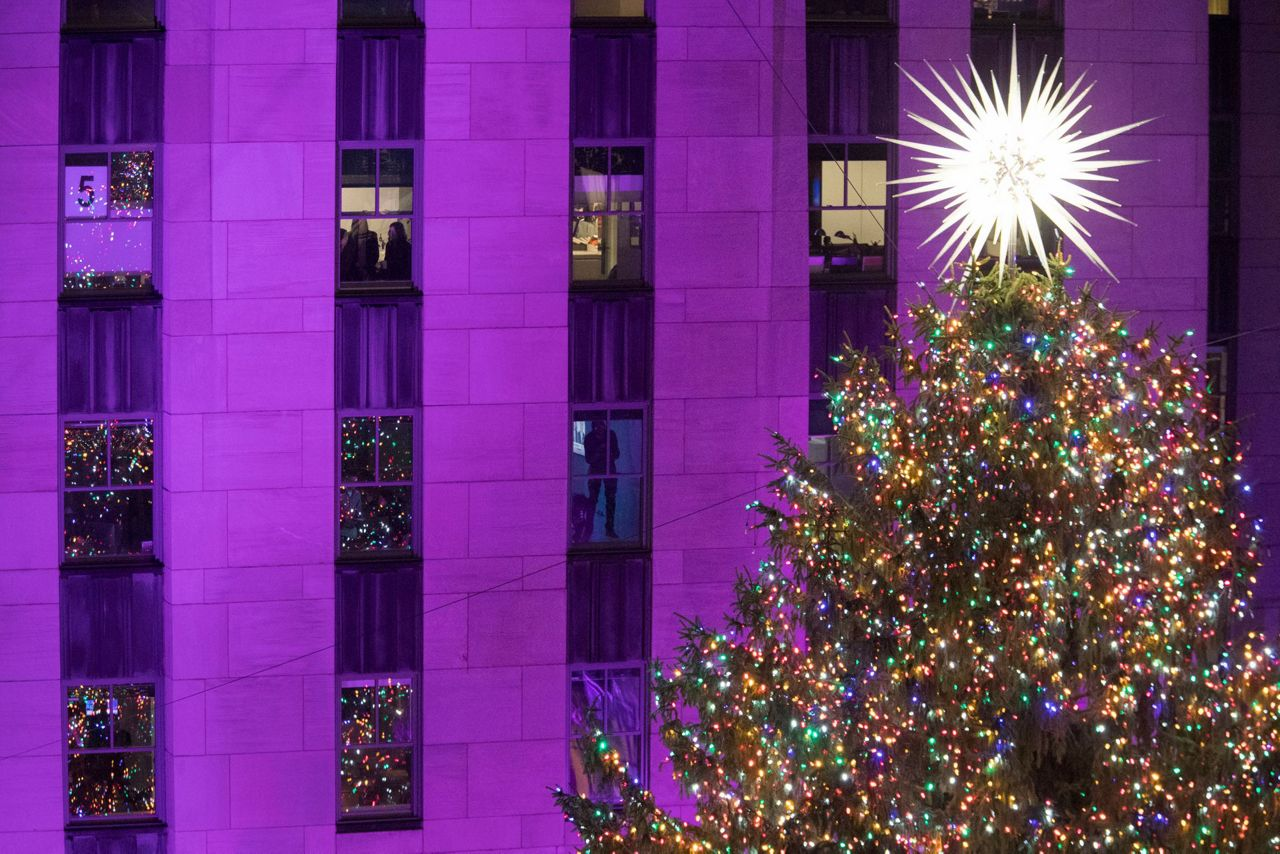 Christmas in NY: It's time for the Rockefeller tree lighting