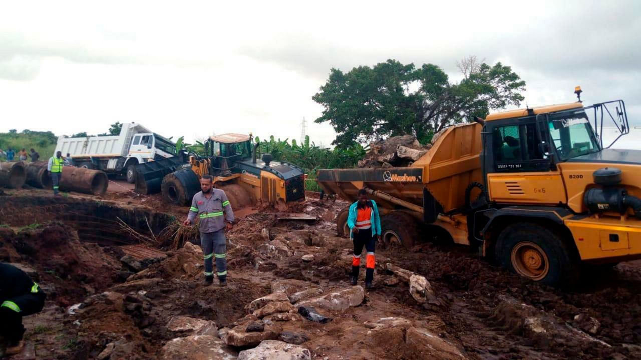 Heavy rains lash Mozambique after Cyclone Kenneth; 4 dead