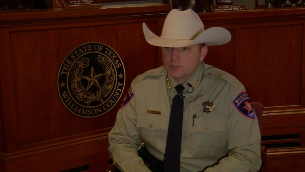 Williamson County Sheriff Chody confronts phone scamming