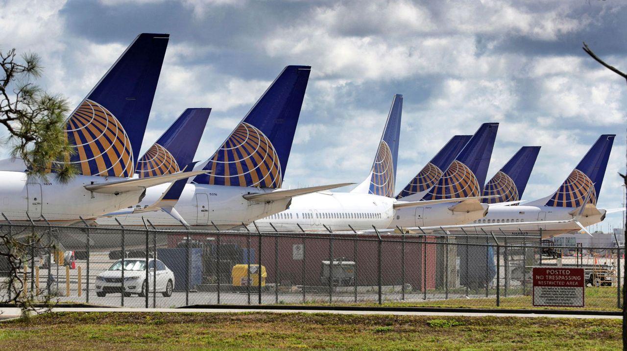 United Airlines Posts 1 6 Billion Loss In Virus Scarred 2q,Modern Rustic Interior Design Ideas