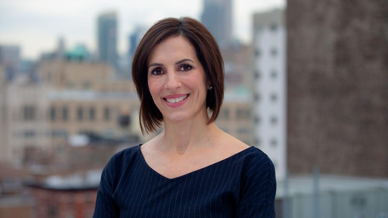Annika Pergament – Senior Business Anchor