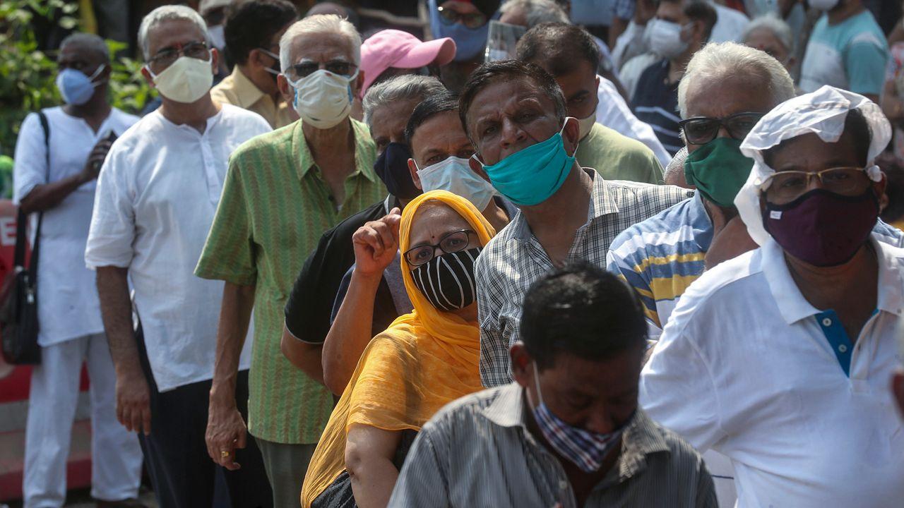 ap india vaccineline042621.