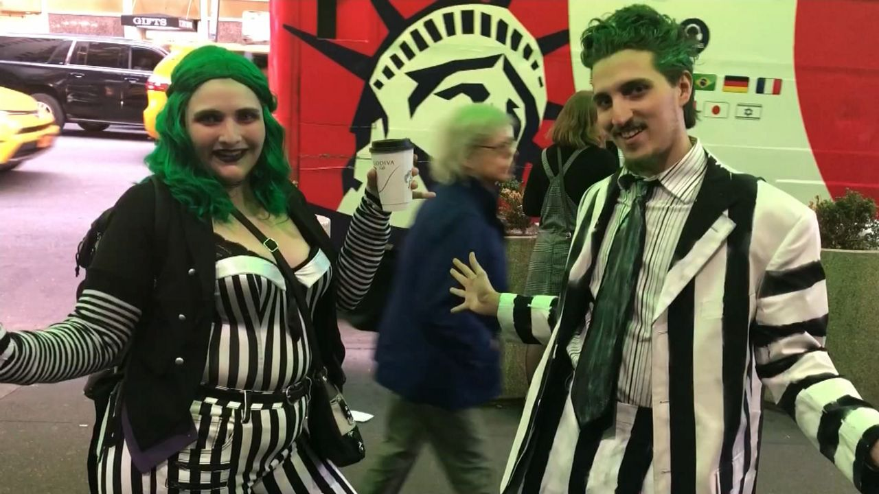 Beetlejuice The Musical Draws Theatergoers In Costume