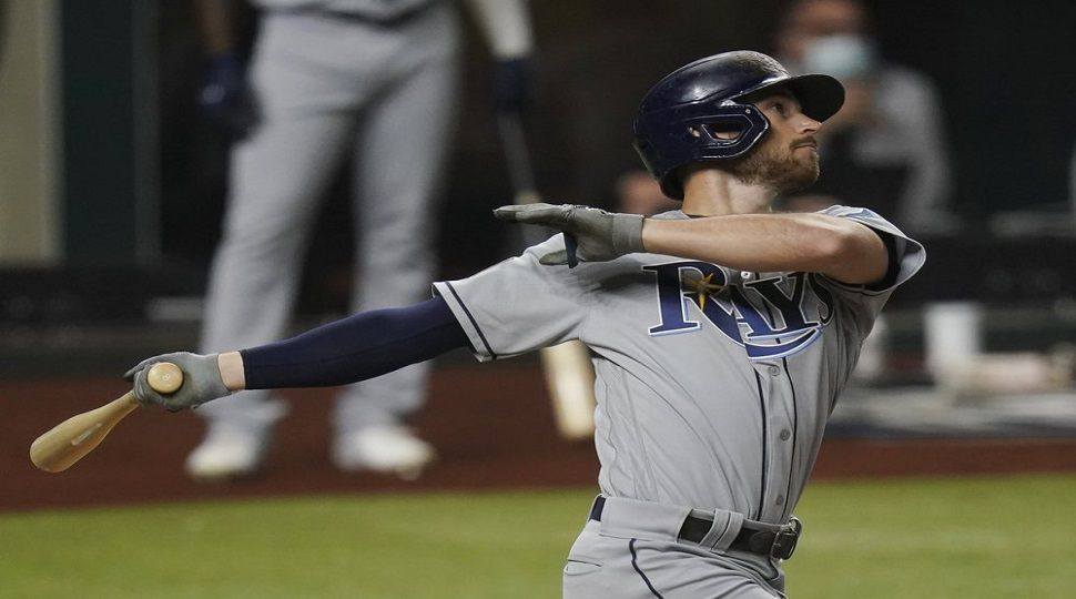 Lowe hits 2 homers, Rays even World Series