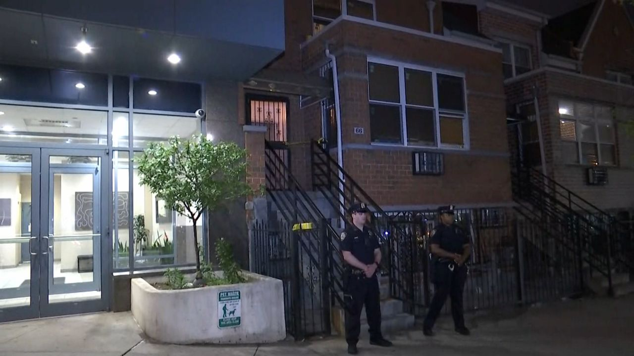 NYPD: Person Invovled in Brooklyn Double Stabbing May be Related to Victims