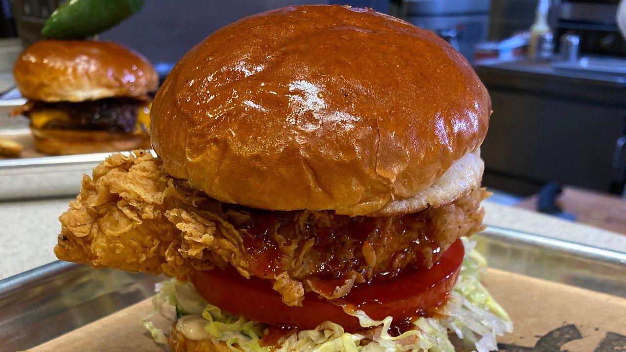 Chef S Kitchen Previewing Aussie Grill S Chicken Sandwich