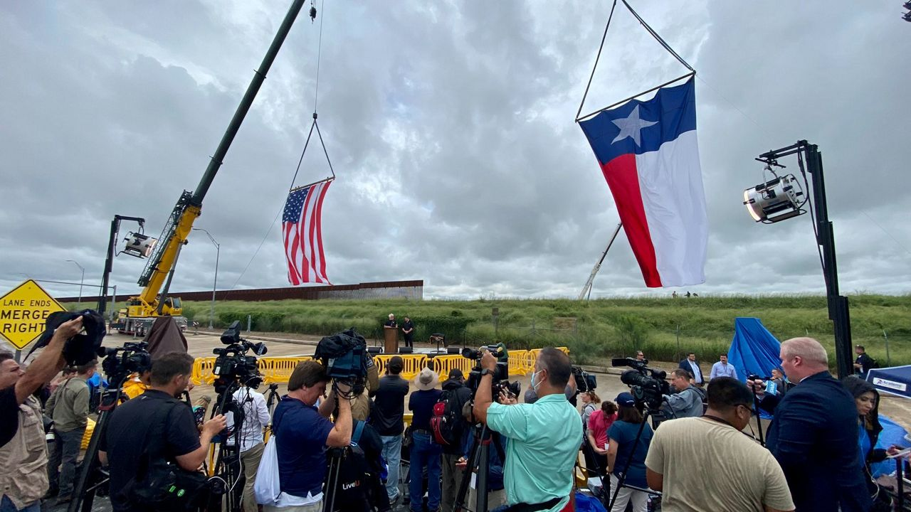 Trump, Abbott to tour Texas-Mexico border Wednesday