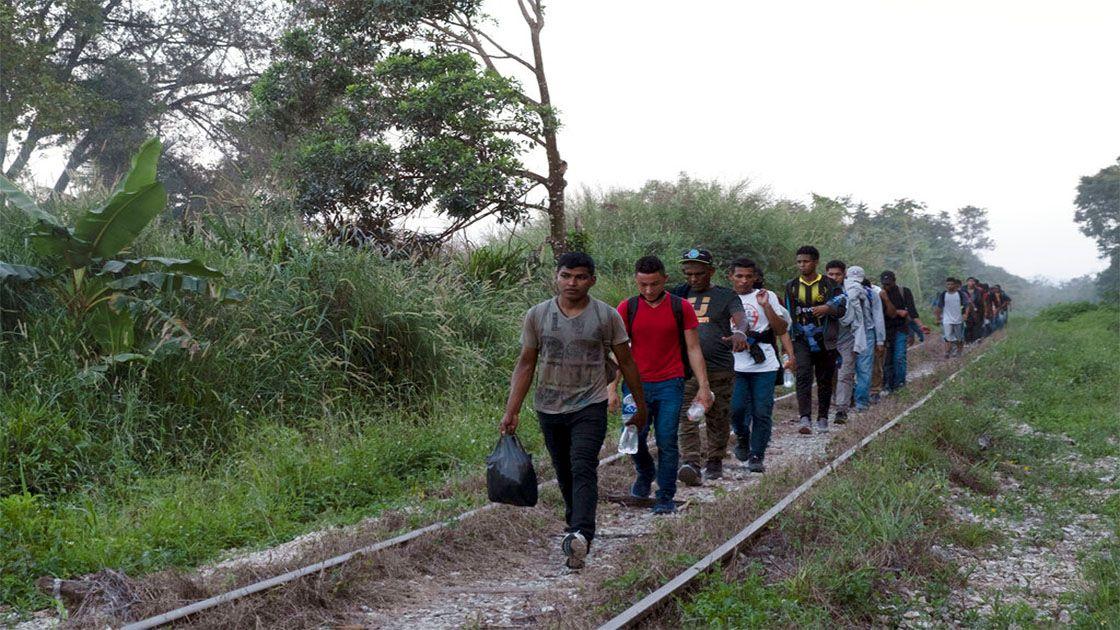 Gobierno anula regla de Trump sobre asilo víctimas violencia