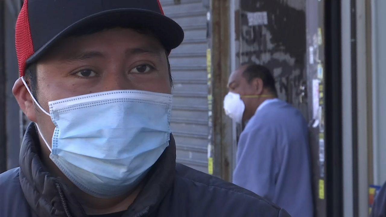 Latinos. Coronavirus.