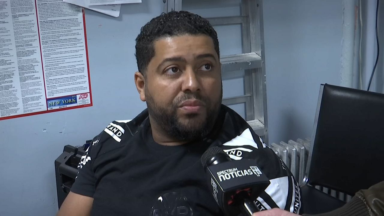 Propone Ydanis Rodríguez más apoyo a taxistas sin medallón