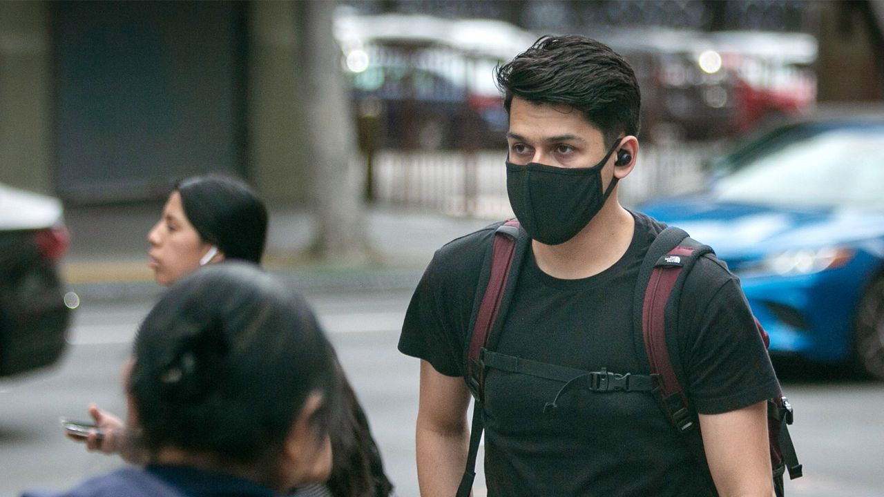 Coronavirus Tips: Should We Be Wearing Face Masks in Public?