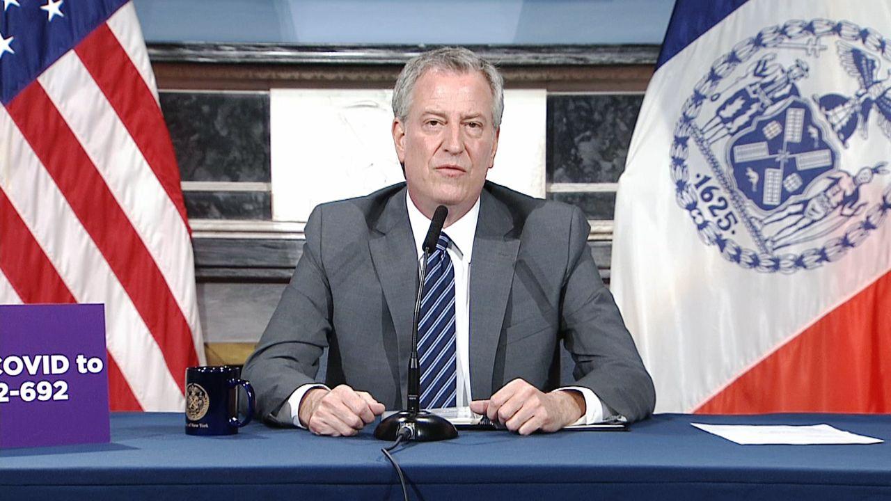 Alcalde: hispanos son los que más mueren por coronavirus en NYC