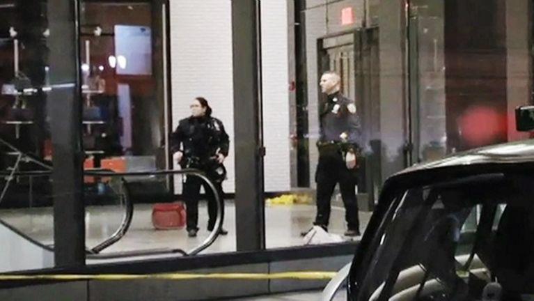 Un muerto tras fatal balacera en una tienda Target de Brooklyn