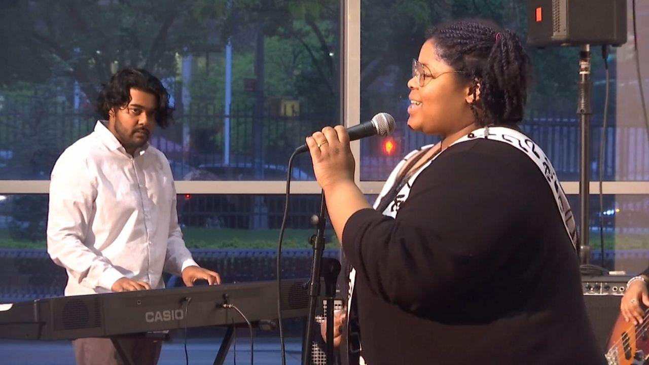 Estudiantes de música presentan su nuevo disco en Queens