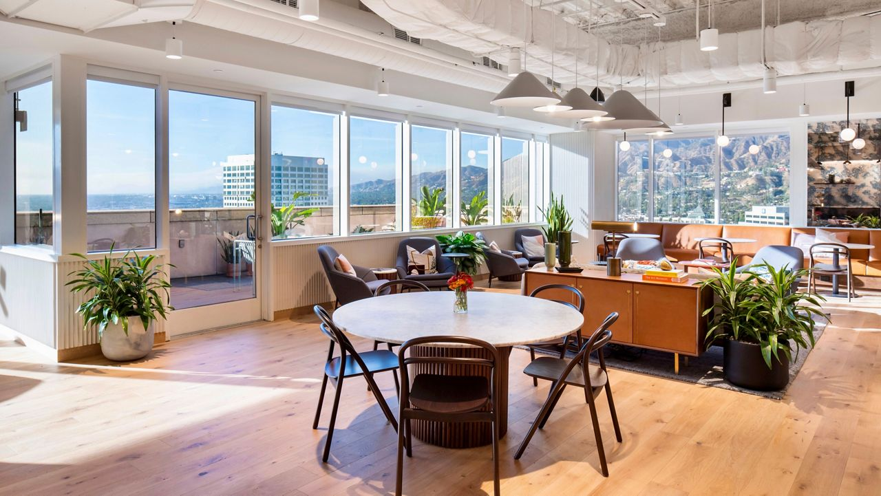 Workspace at Industrious' Glendale location (Courtesy Granite Properties)