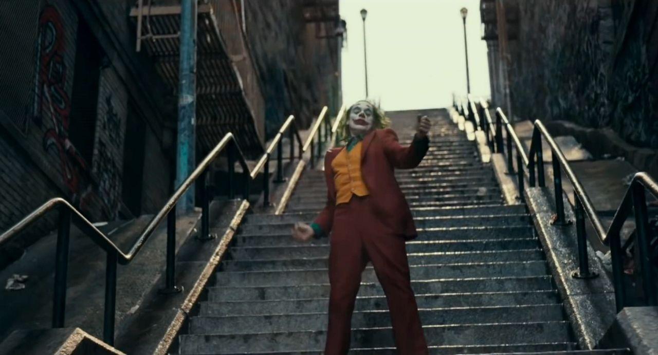 Joker Fans Recreate Movie Scene On Highbridge Steps