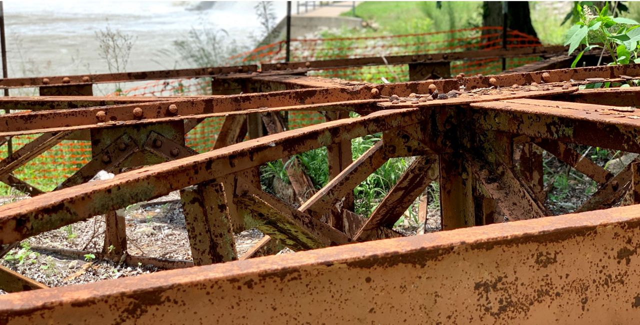 Gonzales Residents Recall Spill Gate Failure That Dried Up Lake Wood
