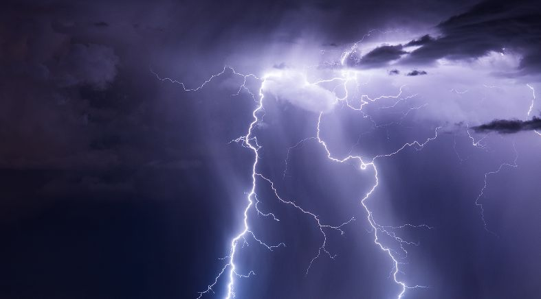 Tips to Stay Safe in Thunder and Lightning Storms