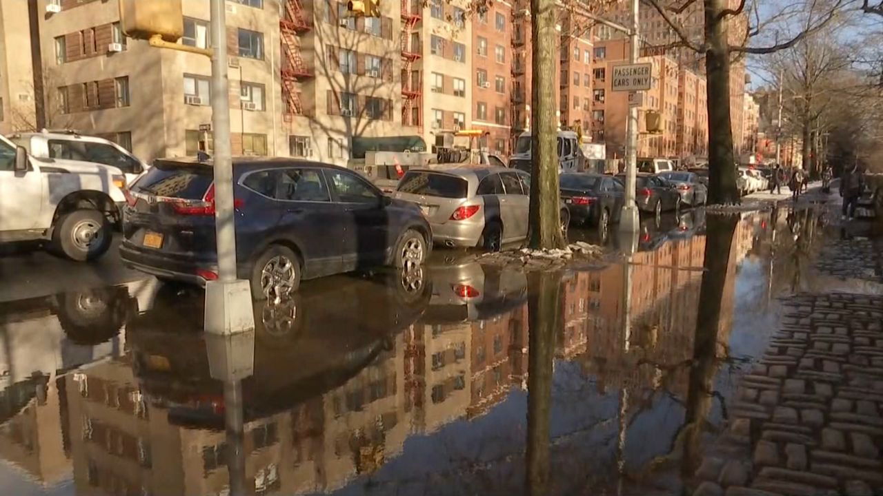 Inundación en el Upper West Side causa demoras en el 'subway'