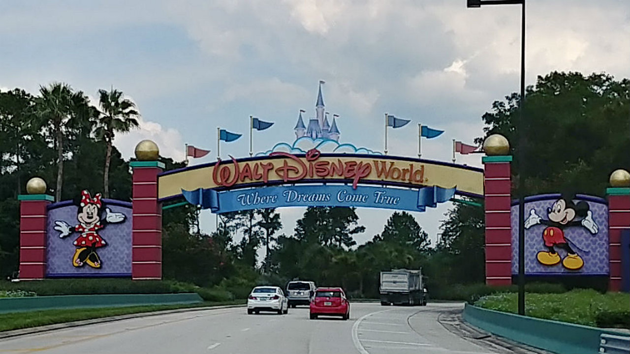 Walt Disney World entrance. (Ashley Carter/Spectrum News)