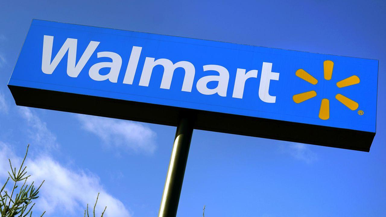 Walmart Announces Pay Raise for 425,000 Employees
