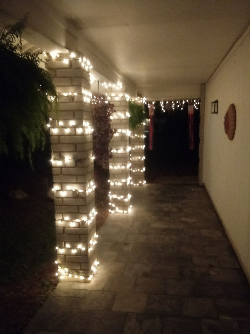 A local viewer sent us this photo of their exterior lights.