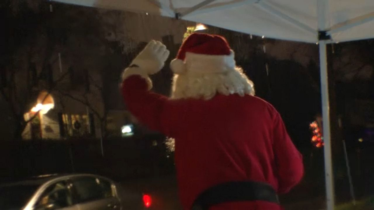 Rochester Mills 2 Days Of Christmas 2021 Rochester Neighborhood Celebrates Christmas Eve Tradition
