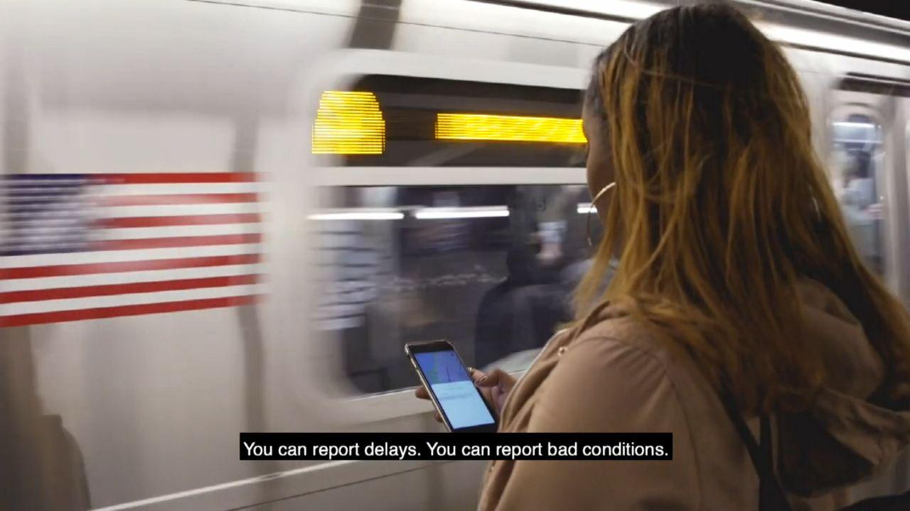 Usuarios evalúan estaciones y servicio del metro con una 'app'