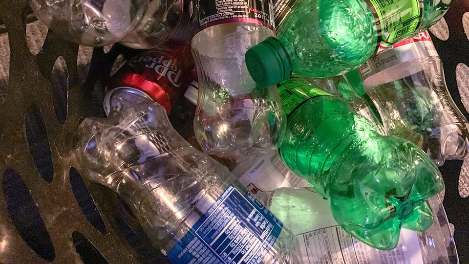Bill would place special requirements on all single-use plastics