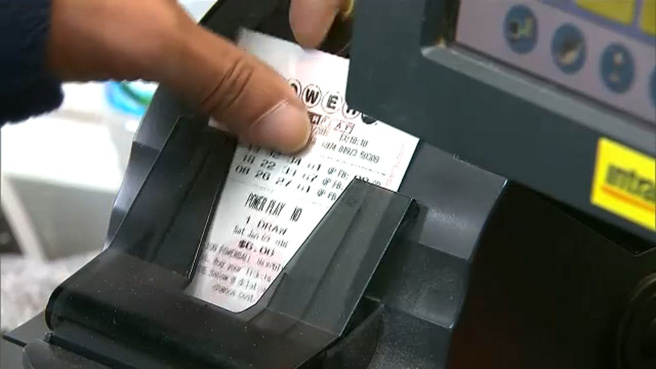 Powerball Jackpot Swells To 620m Mega Millions At 1 6b