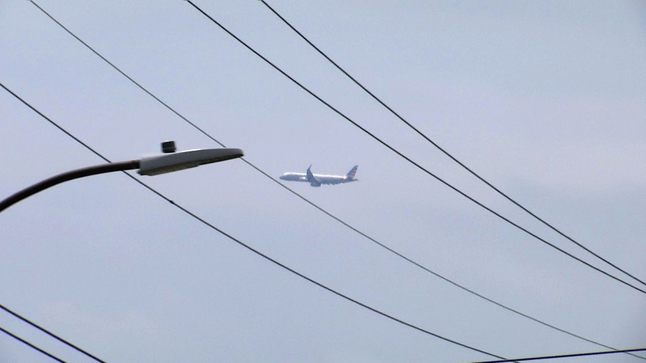 Why New Flight Paths Are Creating Noise in Bayside
