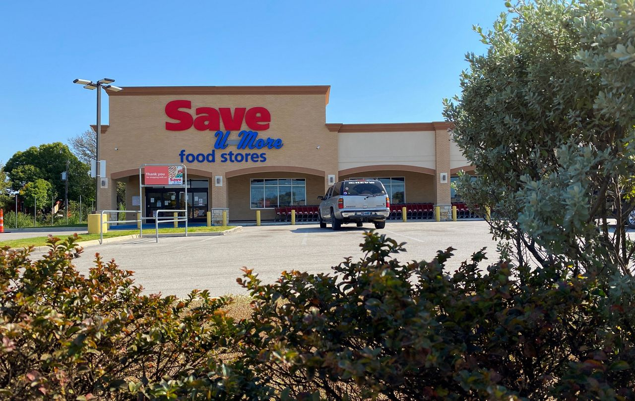 The exterior of the Save U More grocery store located in the Highland Hills neighborhood of South Dallas. (Stacy Rickard/Spectrum News 1)