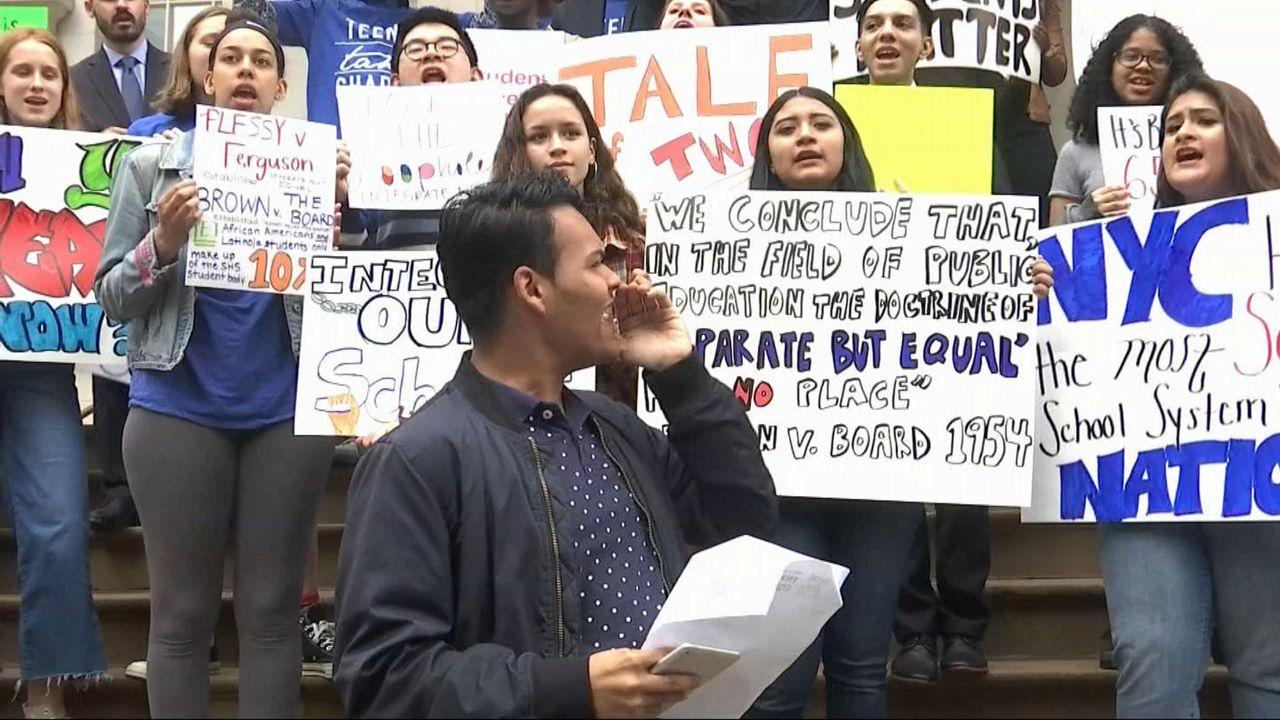 Students Rip de Blasio for Missing Meeting on School Segregation