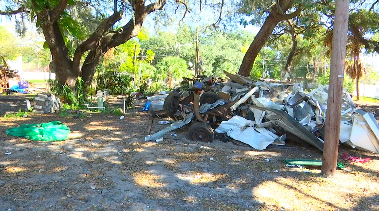 Community Helps Homeless in St. Pete Ahead of Cold Night
