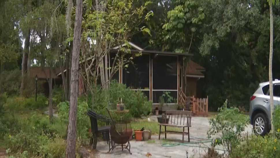 No Charges Expected for Homeowner Who Stabbed Intruder