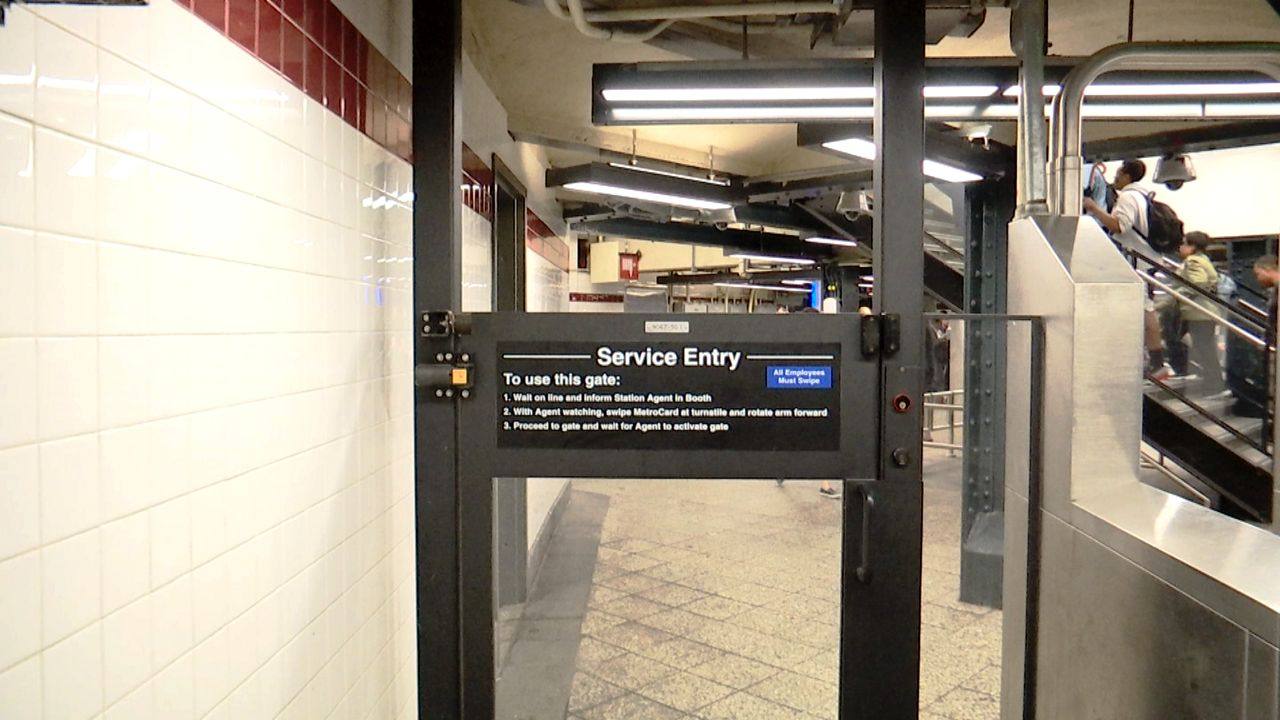 Altered Nyc Subway Map.Mta To Alter New Emergency Gates To Prevent Fare Beating